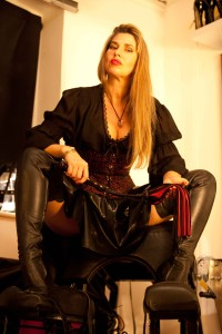 Leather-Thigh-Boots-Mistress-Cleavage-kings-cross-london