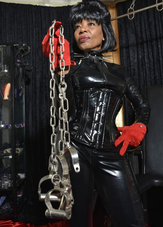 London-Mistress-Queen-Ebowe
