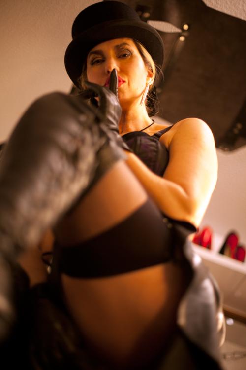 london-bdsm-mistress-bondage-spanking-caning-kings-cross